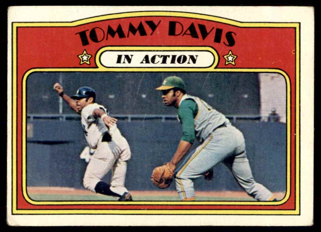 1972 Topps Tommy Davis in Action #42 card front image