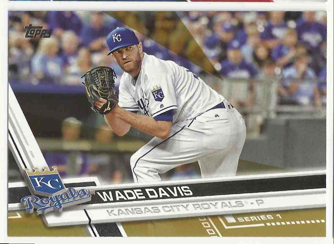 2017 Topps Gold Wade Davis #225 card front image